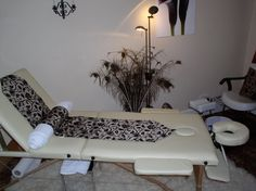 Julie Arnold - The Therapy Suite - relaxing beauty and holistic treatments.  www.nailsbyjulie.vpweb.co.uk