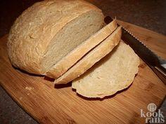Zelf brood maken is erg lekker. Bovendien is het erg makkelijk om in je Airfryer te maken en ook nog eens erg goedkoop. Bakken maar!