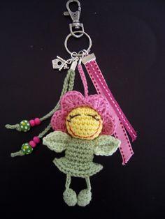 Ravelry: Antoinette06's Bagcharm Smiling Flower