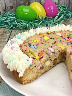 Easter Cookie Pie! Pumpkin Sheet Cake, Chicken Cake, Spring Chicken, Cream Cheese Pound Cake, Pie Tops, Marinated Steak, British Baking, Kinds Of Cookies, Incredible Recipes