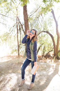 A whole blog post about fall outfit inspiration and different ways to layer during the fall.  So many cute fall outfits www.everyday-ellis.com