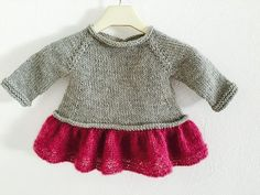 "Sweet and simple and super-swingy… The idea was to give that gauzy, ""tutu"" feel while keeping this top modern and practical. Sweet and simple and super-swingy… The idea was to give that gauzy, ""tutu"" feel while keeping this top modern and practical. Crochet Kids Hats, Baby Girl Crochet, Crochet Baby Clothes, Knitting For Kids, Baby Knitting Patterns, Baby Patterns, Crochet Ideas, Hat Crochet, Crochet Top"