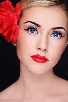 5 Makeup Ideas for your Holiday and New YEar's Eve Party