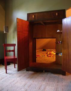 Narnia secret playroom!