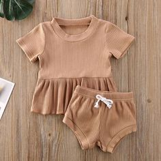 Neutral Baby Clothes, Trendy Baby Clothes, Cute Baby Girl Outfits, Kids Outfits Girls, Baby Kids Clothes, Cute Outfits For Kids, Baby Girl Dresses, Toddler Outfits, Kids Clothing
