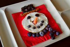 Fun Food: Snowman Snacks! {inlieuofpreschool}