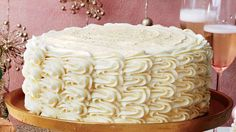 Eggnog Spice Cake with Bourbon Custard Filling and Eggnog Buttercream Recipe 🎂🍾🙆♀️ This towering four-layer cake is creamy and slightly boozy. Christmas Desserts, Christmas Baking, Holiday Cakes, Christmas Recipes, Christmas Cookies, Christmas Foods, Christmas Ideas, Holiday Recipes, Italian Christmas