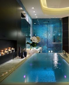 Infinity bath tub...what?!  Sweet!