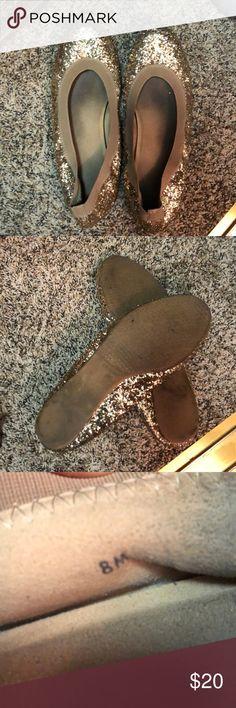Sparkly Stuart Weitzman Flats Gold sparkly flats. Fairly worn. Stuart Weitzman Shoes Flats & Loafers #stuartweitzmanflats