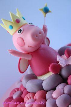 Fondant Toppers, Fondant Cakes, Tortas Peppa Pig, Peppa Pig Cakes, Peppa Pig Familie, Aniversario Peppa Pig, Pig Birthday Cakes, Spring Desserts, Pig Party