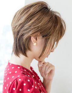 Pin on ボブ Asian Short Hair, Short Hair Cuts, Short Hair Styles, Cut And Style, Cut And Color, Natural White Hair, Medium Layered Hair, Cute Cuts, Bob Styles