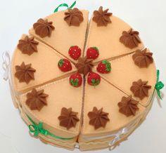 """Еда ручной работы. Ярмарка Мастеров - ручная работа торт из фетра """"Земляничный"""". Handmade."""