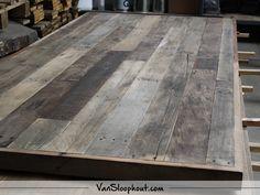 Eiken sloophout tafelblad met verstekrand. #reclaimed #wood #eiken #sloophout #oak #tafel #meubels #wonen #wooninspiratie #interieur