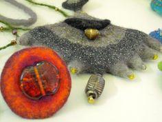 Judith Pocs Nuno Felting, Needle Felting, Mixed Media Jewelry, Felt Brooch, Handmade Felt, Felt Art, Fiber Art, Jewelry Crafts, Textiles