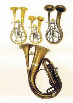 Duplex horns from Prague