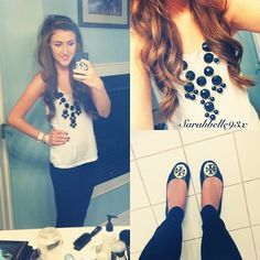 Love this outfit for a colder summer day: black bubble necklace,white flowy tanktop,black skinny jeans,black reva flats