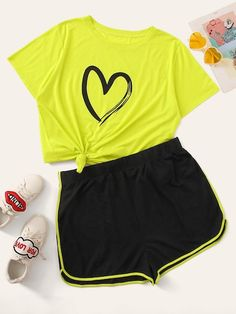 To find out about the Plus Heart Print Tee & Contrast Binding Shorts at SHEIN, part of our latest Plus Size Co-Ords ready to shop online today! Cute Lazy Outfits, Teenage Girl Outfits, Girls Fashion Clothes, Teen Fashion Outfits, Trendy Outfits, Kids Outfits, Cool Outfits, Punk Fashion, Lolita Fashion
