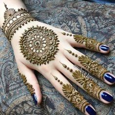 This article is also about Latest Hand Mehndi Designs 2018 for Girls and here you will find some of Latest Mehndi Designs 2018 that will make your heart. Henna Hand Designs, Henna Tattoo Designs, Mehndi Tattoo, Henna Tatoos, Mehndi Designs Finger, Mehndi Designs 2018, Unique Mehndi Designs, Mehndi Designs For Fingers, Beautiful Mehndi Design