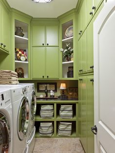 organized laundry room... and now, I want an apple green laundry room. So pretty!