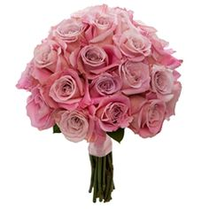 Romanza: #Traditionalbouquet of Fresh #Roses and Greenery  Romanza (Grande)      #Weddings #VenetianWeddings #Bouquet #Bride #Rosebouquet