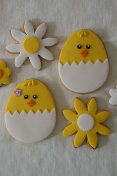 Fondant Cookies, Cupcake Cookies, Sugar Cookies, Cookie Frosting, Cookie Favors, Flower Cookies, Heart Cookies, Easter Biscuits, Cookies Et Biscuits