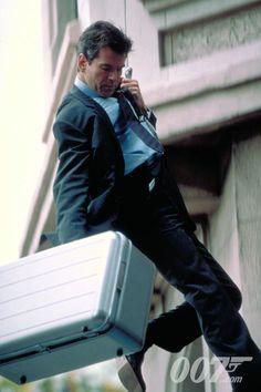 Pierce making his getaway as James Bond. James Bond Gadgets, Assassin Names, Extraordinary Gentlemen, James Bond Movies, Pierce Brosnan, Bond Girls, Sci Fi Movies, Film Music Books, Classic Movies