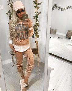 """1,523 curtidas, 68 comentários - Guapa Vip Store (@guapa_vip_store) no Instagram: """"OMG!! Que coisa mais linda!!!  conjuntinho de MOLETOM """"Sunday"""" com calça JOGGER, fofíssimooo …"""""""