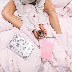 God morgon  älskar verkligen dagar då jag kan jobba hemifrån i myskläder  #lovemyjob