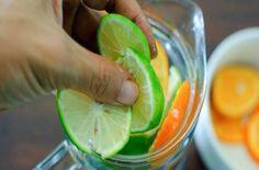 Νερό με λεμόνι και άλλα 3 υλικά - Η κοιλιά σας θα αλλάξει σε 60 δευτερόλεπτα - Ομορφιά & Υγεία - Athens magazine Sassy Water, Swollen Belly, Healthy Tips, Healthy Recipes, Bolo Fit, Water Benefits, Flat Belly Diet, Nutrition, Water Recipes