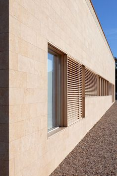 What if we used a stone instead of rammed eearth? John Pawson . Detached Houses . St Tropez  (6)