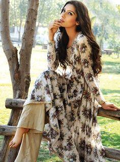 Model: Noor Bhatty