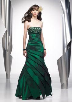 Gorgeous dress! Wow!
