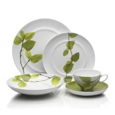 Such beautiful dinnerware, though I think it's best suited for display.