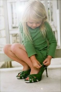 Fashionista.....this was sooo me as a little girl...... me too...