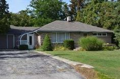 Amazing bungalow just steps from the park and splash pad in Exeter! 63 ANDREW, EXETER