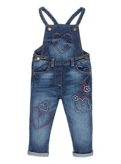 Make a charming addition to her summer line-up with these adorable dungarees… Baby Jeans, Girls Jeans, Shirts For Girls, Denim Blouse, Denim Jeans Men, Toddler Girl Outfits, Kids Outfits, Baby Girl Fashion, Kids Fashion