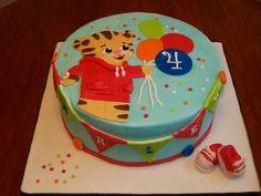 Daniel Tiger Birthday Cake Ideas cakepins.com