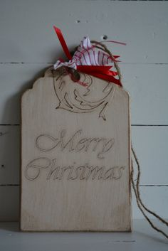 Wooden sign/tag with a vintage, rustic aged look with the text Merry Christmas --- Lovely as christmas decor, keepsake or christmas present