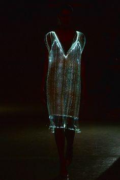 Richard Nicoll Spring 2015 – Runway – Vogue