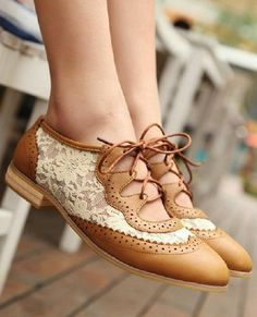 Lace shoes, want them bad!