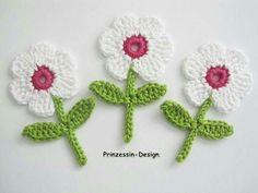 Häkelblumen - My site Crochet Applique Patterns Free, Crochet Flower Patterns, Flower Applique, Baby Knitting Patterns, Crochet Motif, Crochet Designs, Crochet Flowers, Crochet Stitches, Crochet Baby