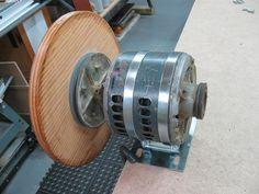 Voici mon point de départ pour fabriquer ma ponceuse à disque. This is my starting point to build my disk sander. ____________________________________________________________ J'ai acquis ce moteur ...
