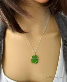 Kelly green sea glass pendant - Pali design