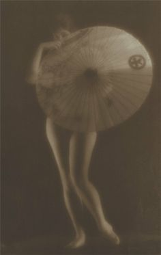 Russian photography. Alexander Grinberg. Woman with a Parasol. 1926. Pictorial photograph. #Russian #photography
