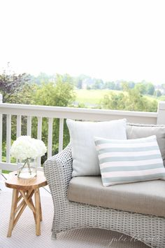 Outdoor Living | Beautiful decor ideas and how to define your deck or patio as an outdoor living room @julieblanner