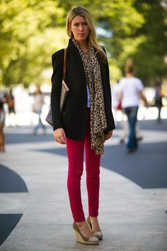 Lizzy Harris wears a Helmut Lang jacket, J. Crew scarf, Rag & Bone jeans, Goyard bag, and MyMy shoes.
