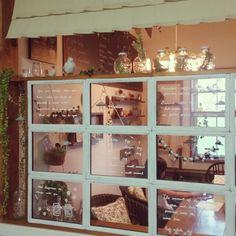 aminchanさんの、キッチン,ダイニング,DIY,カフェ風,セリア,マルティネリの空き瓶,フレームで窓枠風,こどもと暮らす。,のお部屋写真