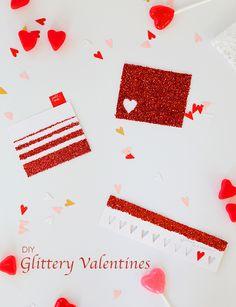 #DIY Simple Glitter Valentines via @yestohoboken