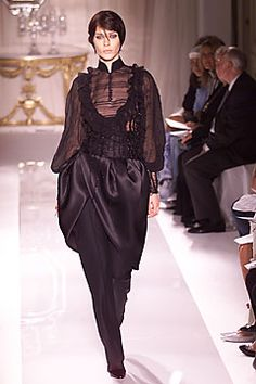Erin Wasson walking for Julien Macdonald for Givenchy Fall 2001 Couture