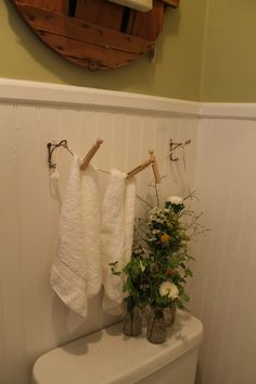 Love the clothesline towel holder.  Too cute!